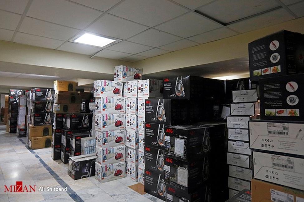 کشف انبار کالای قاچاق در یک منزل مسکونی در جیرفت