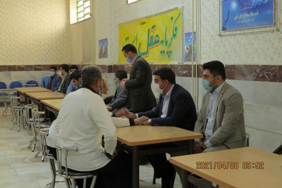 اعطای مرخصی به ۷ نفر از زندانیان در جریان بازدید مسئولان قضایی شهرستان سقز از زندان