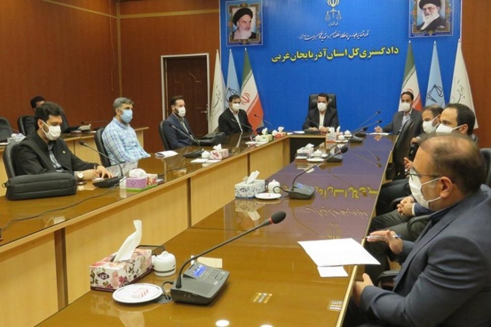 مراسم معارفه معاون منابع انسانی و امور فرهنگی دادگستری کل استان کردستان برگزار شد