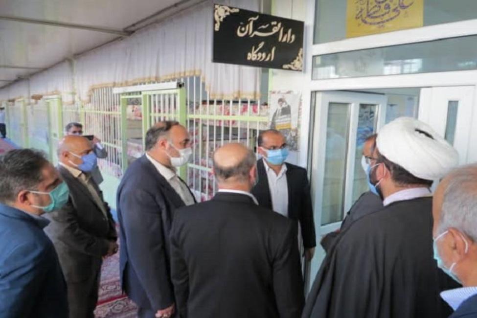 بازدید دادستان و قضات دادسرای اراک از زندان مرکزی این استان