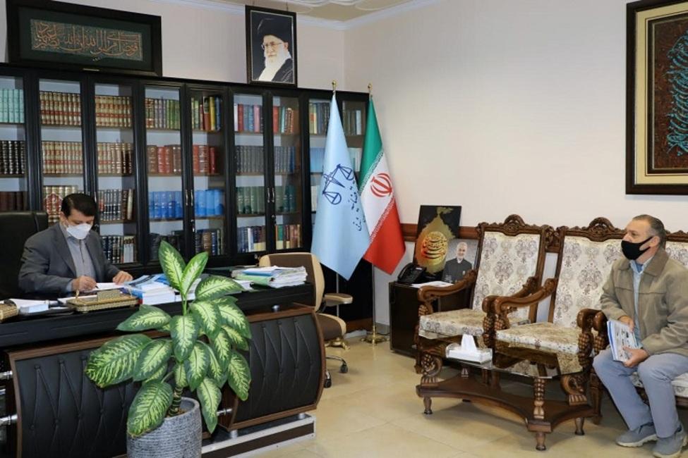 رسیدگی به مشکلات حقوقی ۴۲ نفر از مراجعین در ملاقات مردمی رئیس کل دادگستری استان آذربایجان شرقی