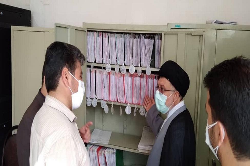 بازدید از پیش تعیین نشده رئیس کل دادگستری استان فارس از دادگاه عمومی بخش زرقان