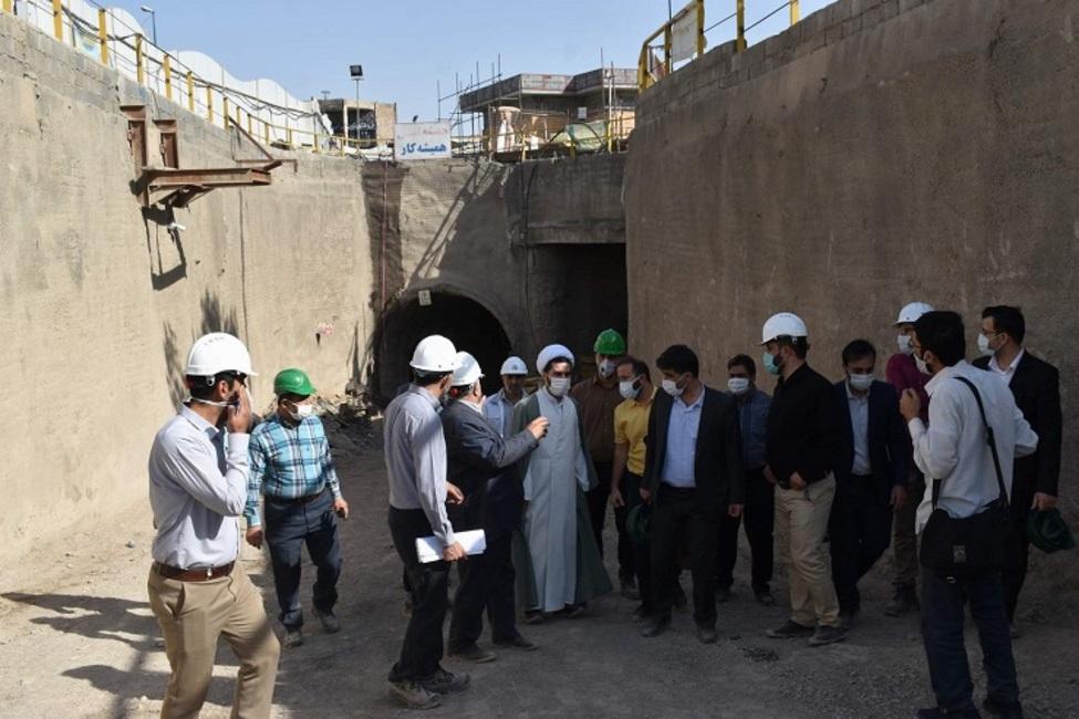 بازدید بازرس کل استان قم از پروژه متروی این شهر