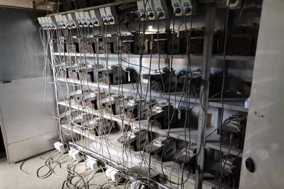 کشف و ضبط ۲۲ دستگاه استخراج رمزارز غیرمجاز در خاوران