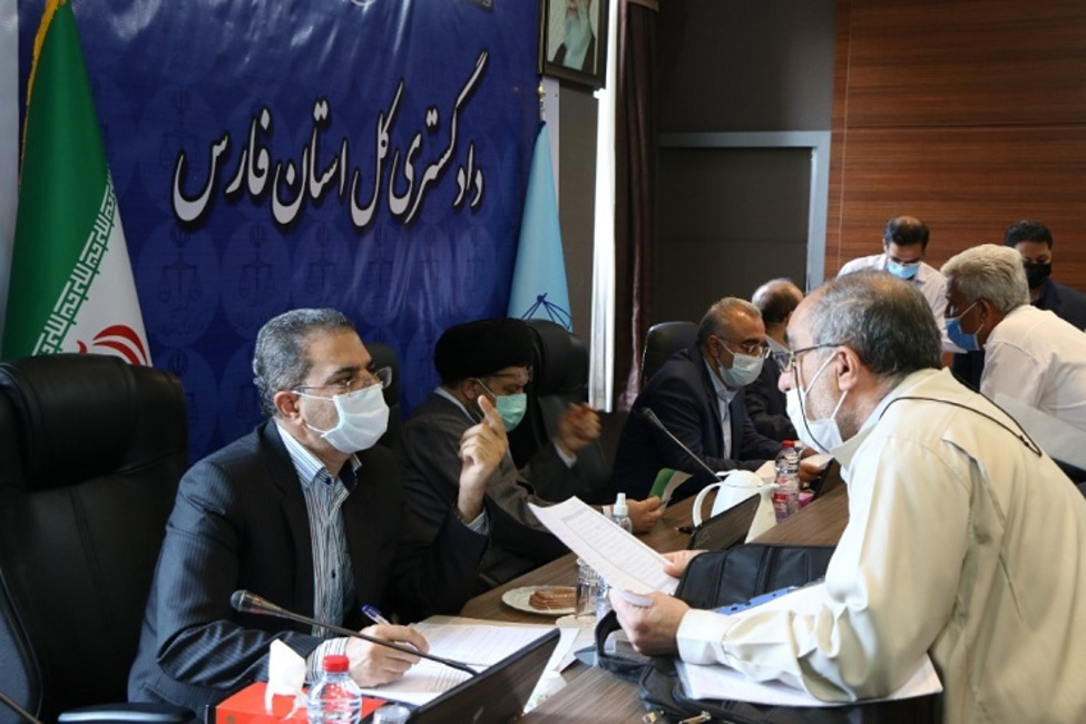 نخستین دیدار مردمی مسئولان قضایی فارس در دوران تحول و تعالی دستگاه قضا برگزار شد