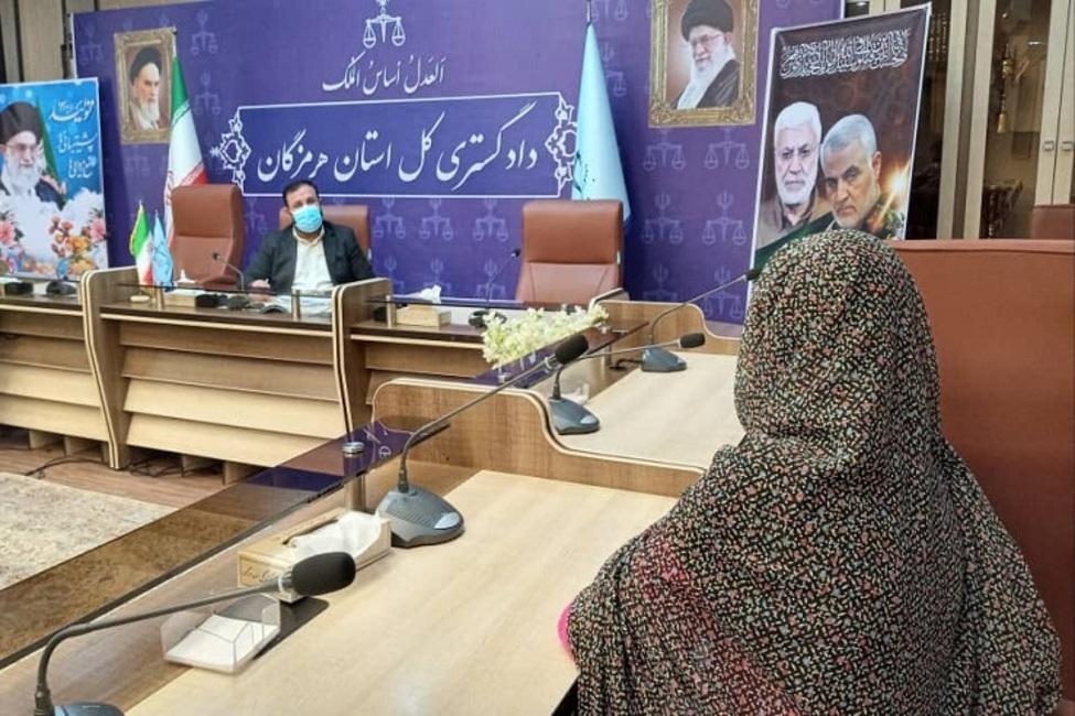 گرهگشایی از مشکلات ۷۳ نفر از شهروندان در دیدار مردمی رئیس کل دادگستری هرمزگان
