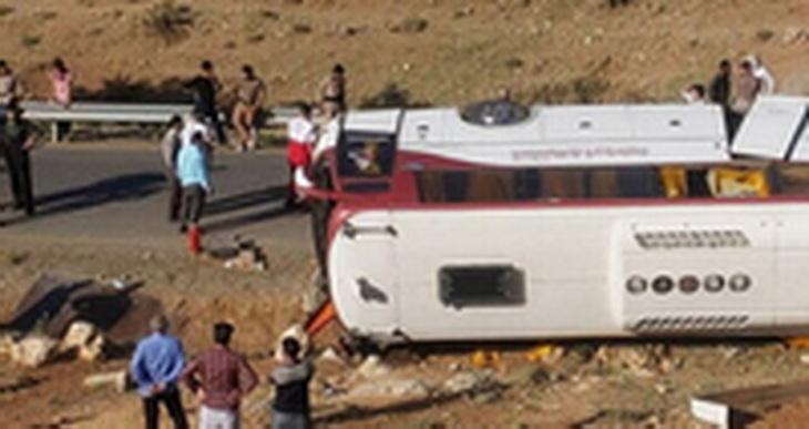 نظریه کارشناسی حادثه واژگونی اتوبوس خبرنگاران به وکلا ابلاغ نشده است