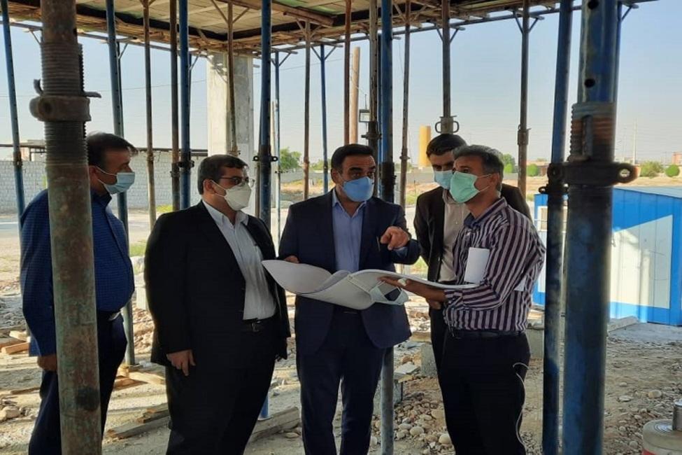 بازدید مدیر کل ثبت اسناد و املاک بوشهر از یک پروژه ساختمانی ثبت اسناد استان